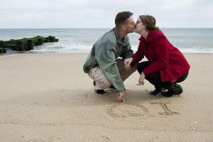 katie pertiet-beach-engagement